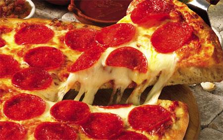 http://smartcanucks.ca/wp-content/uploads/2009/04/pizza-pizza-canada.jpg