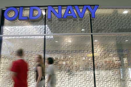old-navy-storefront-in-tyrone-square-mall