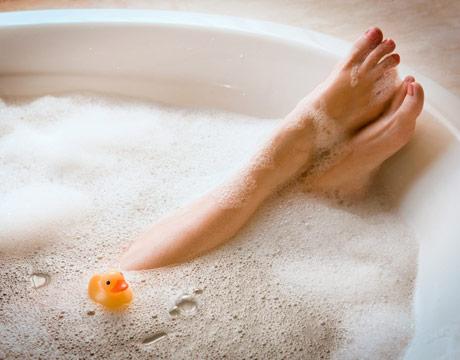 mom_bath