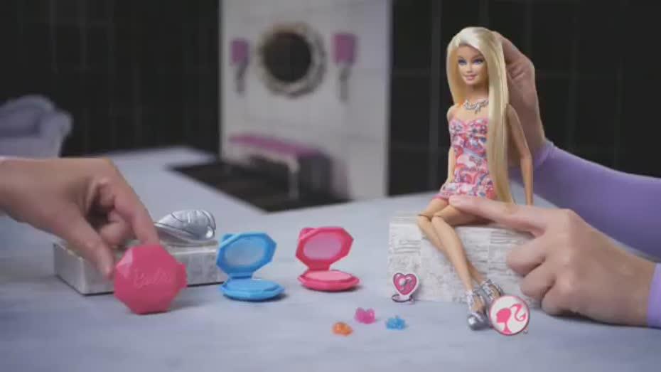 Barbie-Color-Chalk-Hair-Doll