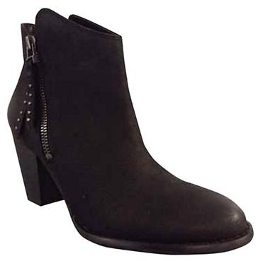 hudsons-bay-canada-shoe-sale