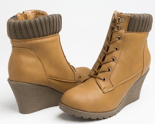 ardene-canada-boots