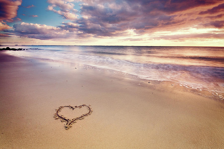 heart-on-the-beach-elusive-photography