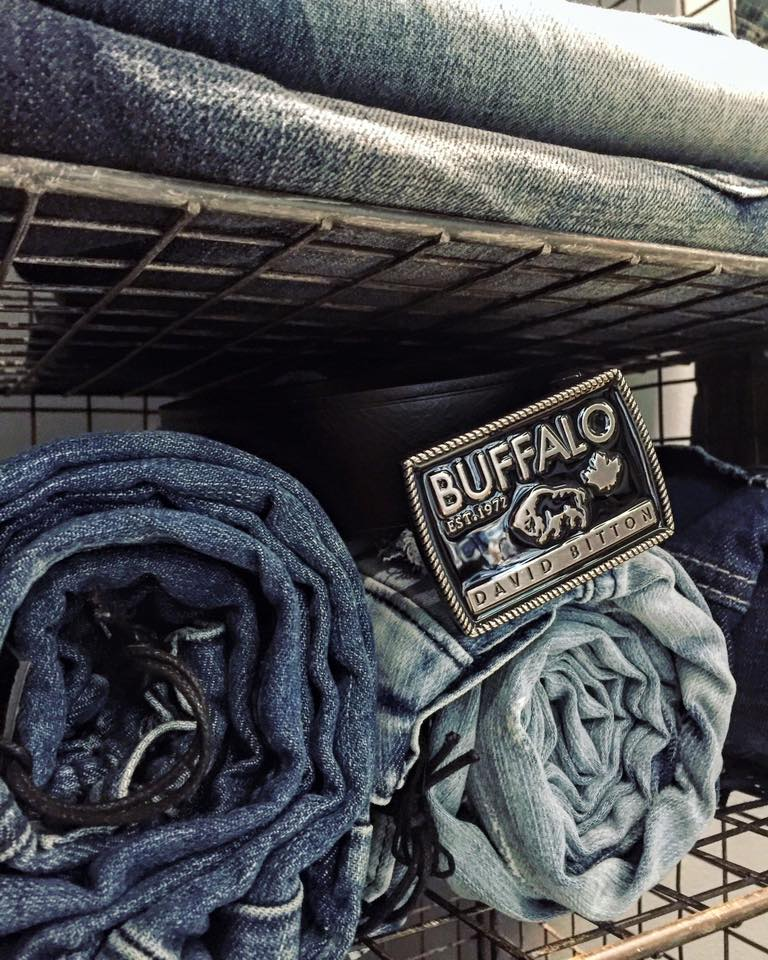 Buffalo David Bitton Canada Weekend Deals: FREE Shipping on ALL Orders + 30% OFF Men's Clothing