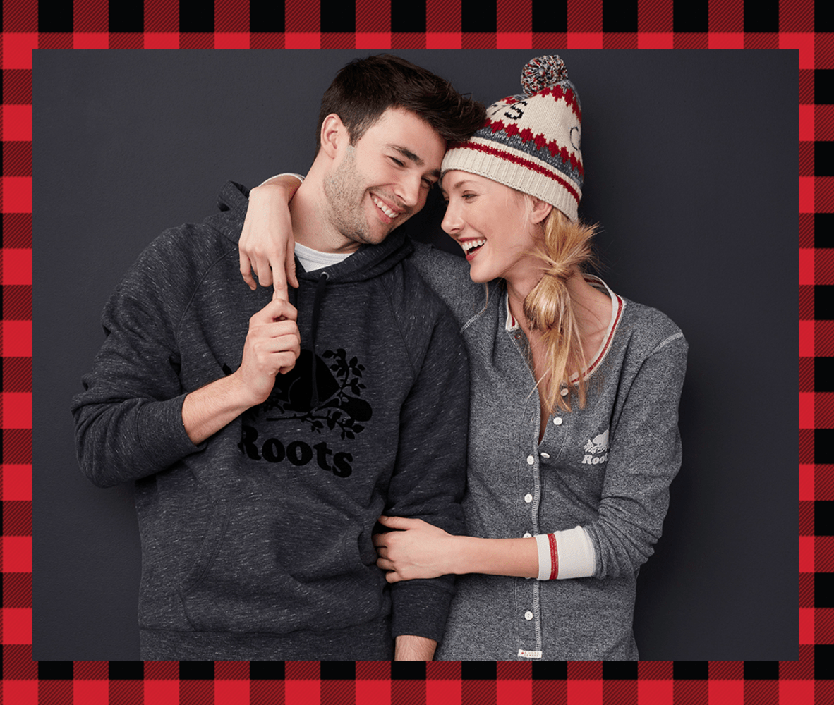 Roots Canada Cyber Monday Deals: FREE Shipping & 30% Off Everything + 40% off all Hats, Scarves, & Gloves!