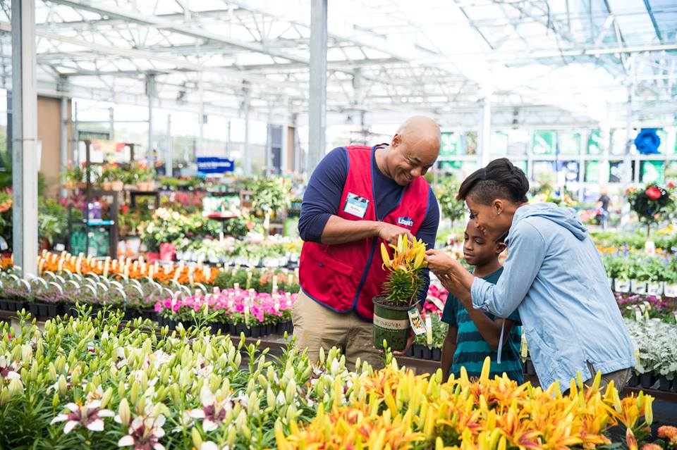 Lowe's Canada Long Weekend Deals: Save the Tax on Many Items + Extra 15% Off Clearance + BOGO Sale + More