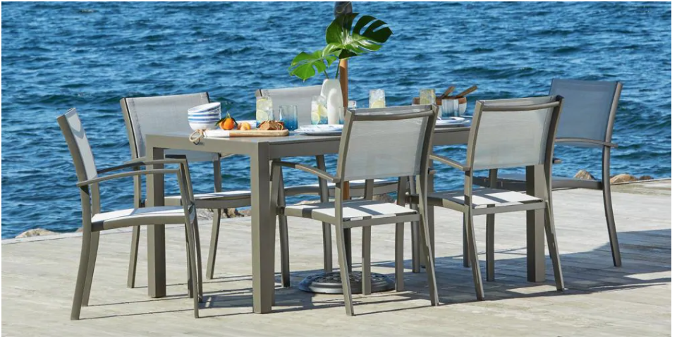 Hudson's Bay Canada offers: Save up to 40% off Patio Furniture!