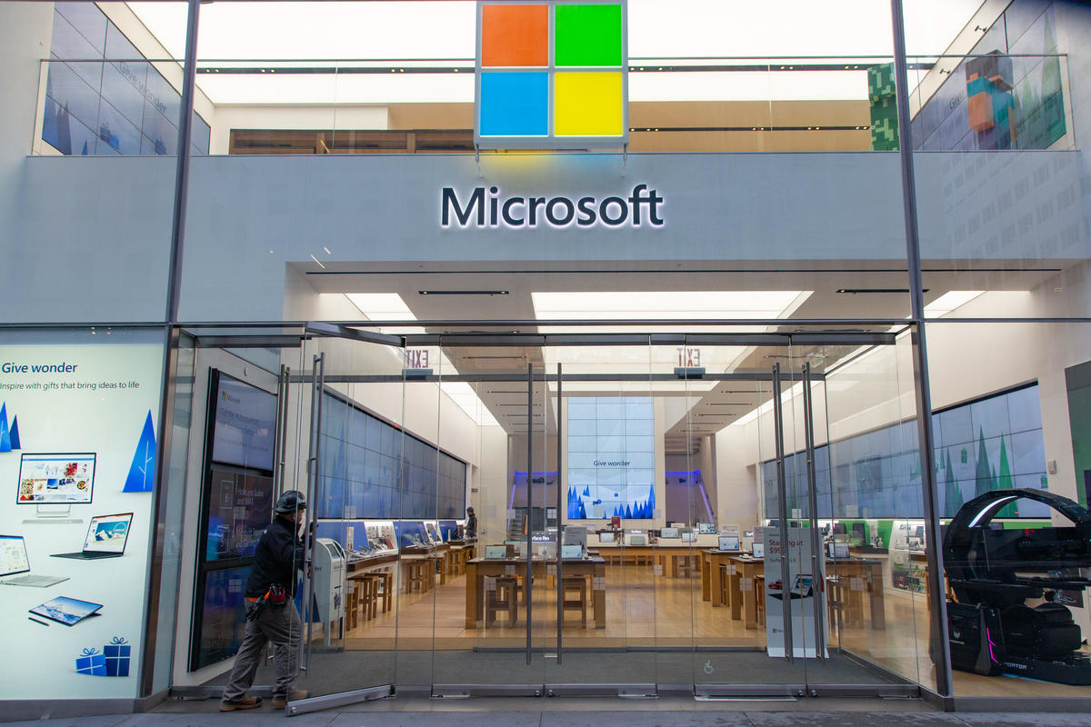 Microsoft to Close All Stores in Canada